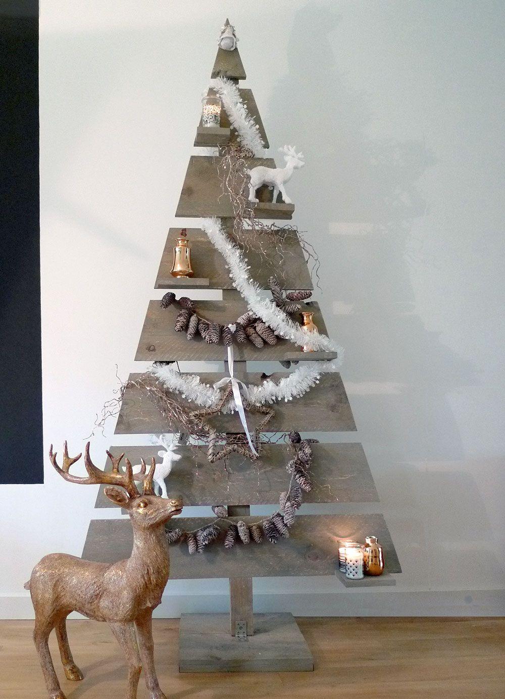 Houten kerstboom hoogte 158 cm kerstboom hout strak model for Houten tuinkast intratuin