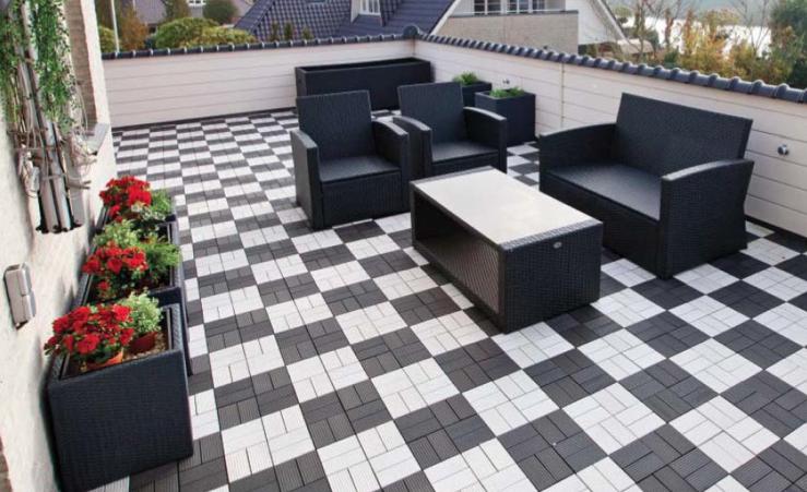 Zwart Wit Tegels : Houtlook tegels in woonkamer zwart wit geblokte vloer in hal