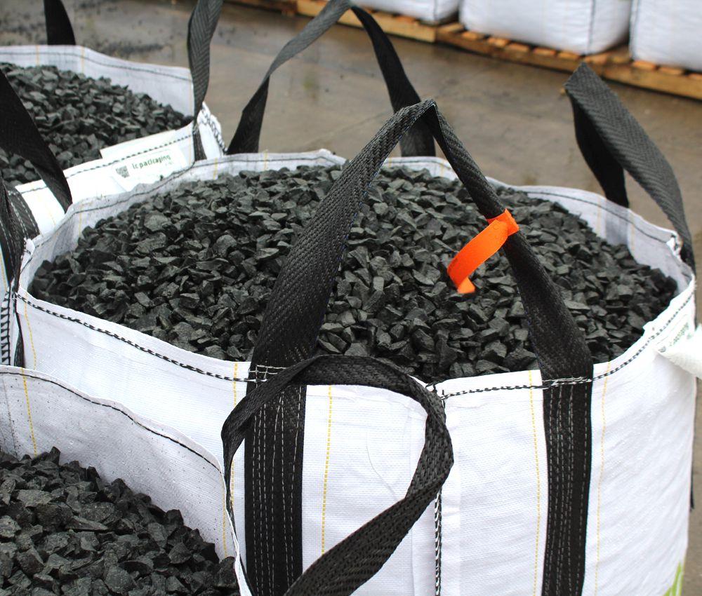 basalt split grijs zwart 16 25 mm zakgoed of big bag siersplit. Black Bedroom Furniture Sets. Home Design Ideas