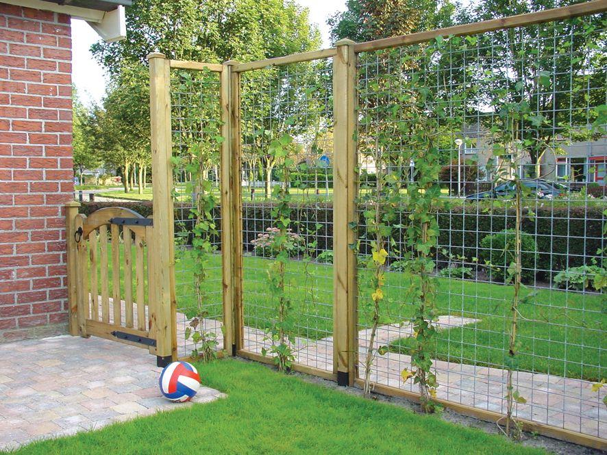 Trellis schutting maken gaaspanelen tuin plaatsen for Decoratie naast tv
