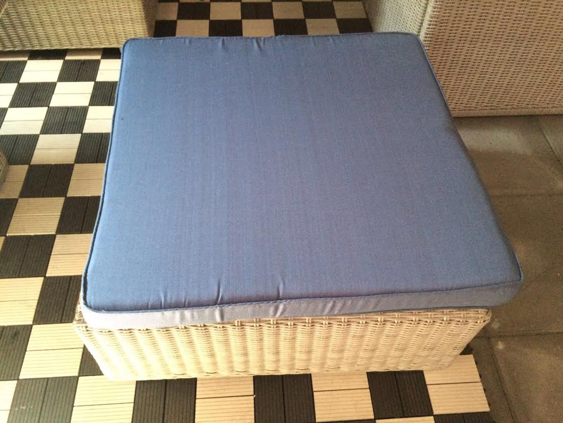 Rond wicker loungeset torino bruin met blauwe kussens