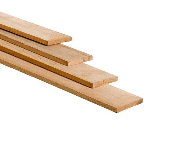 Eikenhouten balken en eiken houten planken