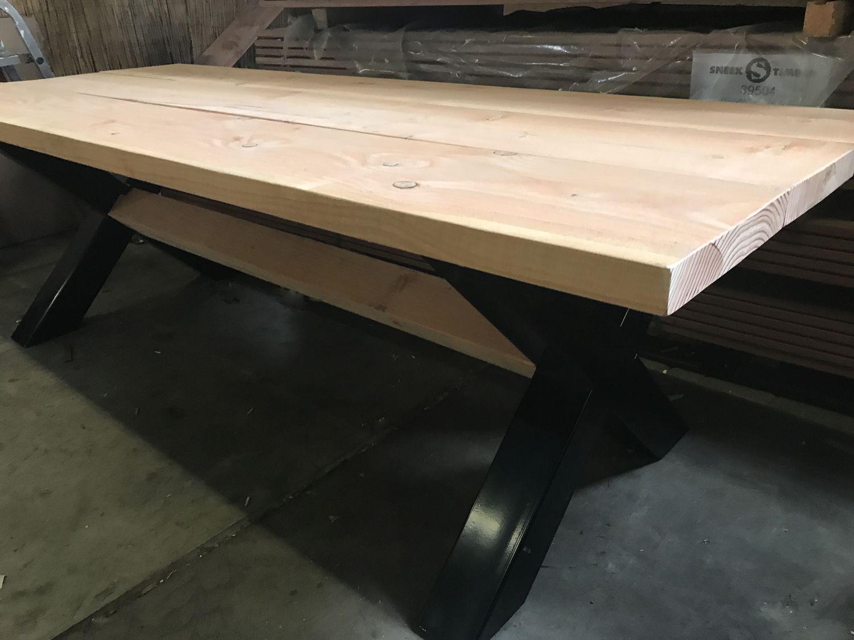 Tafel Metalen Onderstel : Kruispoot tafel metalen poten industrietafel lariks blad