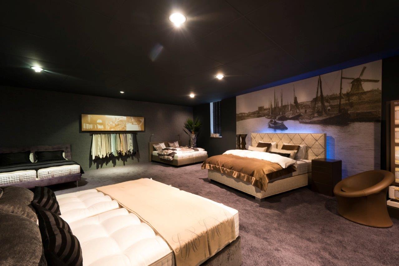 schramm en slaaphof samen specialist in slaapcomfort. Black Bedroom Furniture Sets. Home Design Ideas