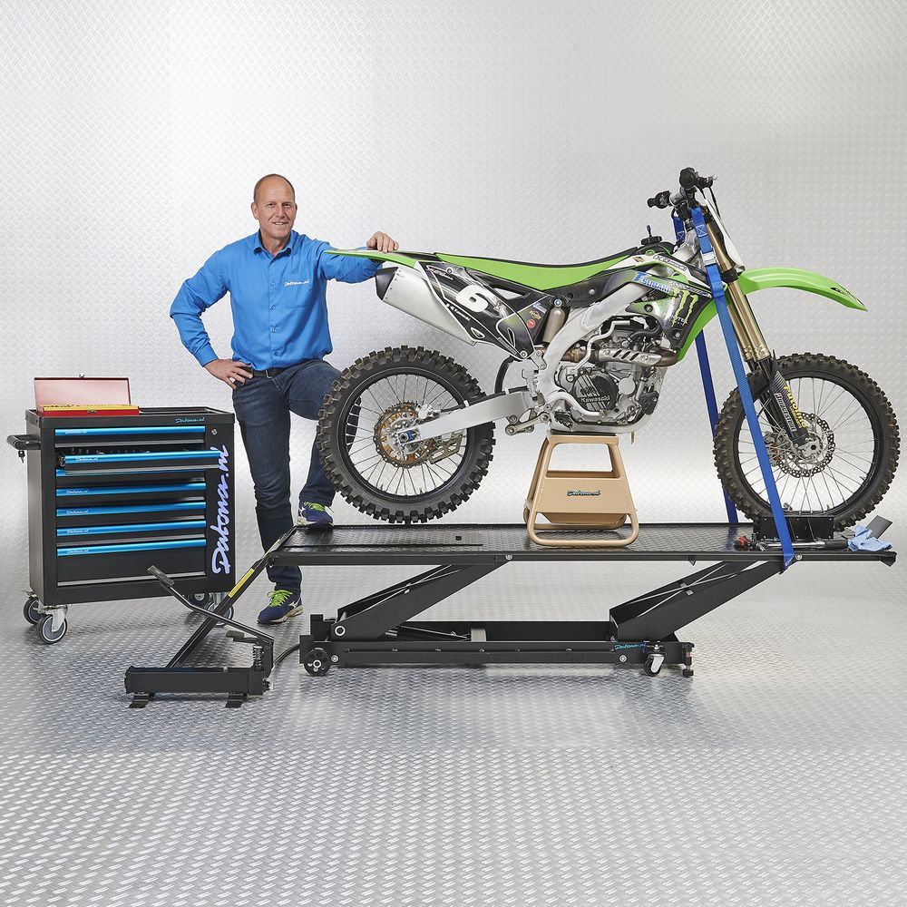 MX stand op motorheftafel