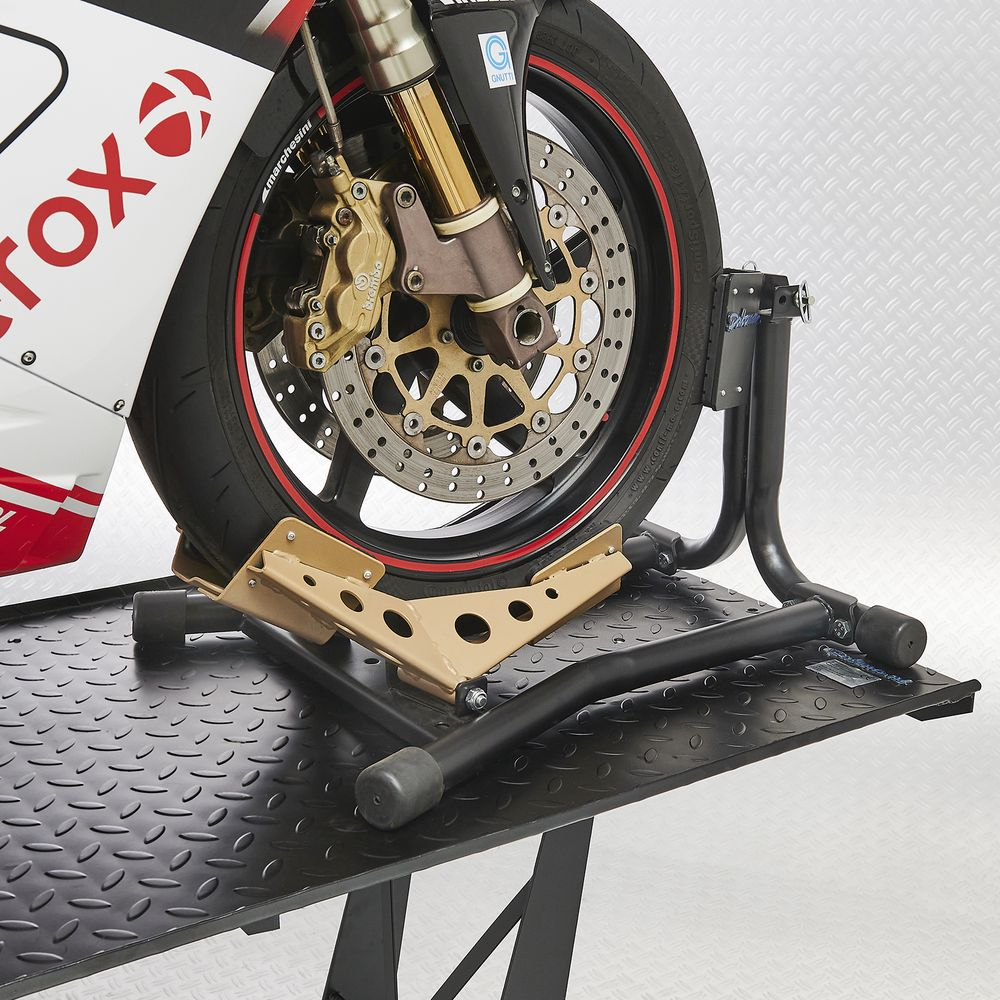 Voorwiel Ducati in rijklem met rubber