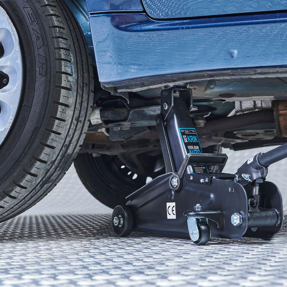 Krik onder de auto met een capaciteit van 2 ton