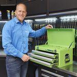 rintje staat bij groene toolbox 51101 green