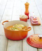 Le Creuset medium spatel oranje-rood 31 cm sfeer