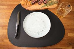 jay_hill_placemat_zwart_curved