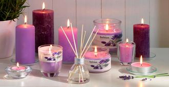 Bolsius maxi geurlichten Aromatic Berry Delight - 8 stuks sfeer