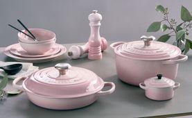 le-creuset-shell-pink-sfeerbeeld