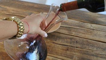 Waarom en hoe moet je wijn decanteren?