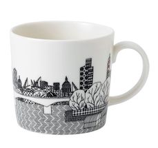 Royal_Doulton_Beker_London_Calling_London_Bridge.jpg