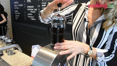 Hoe zet je koffie met een Bodum Cafetiere?