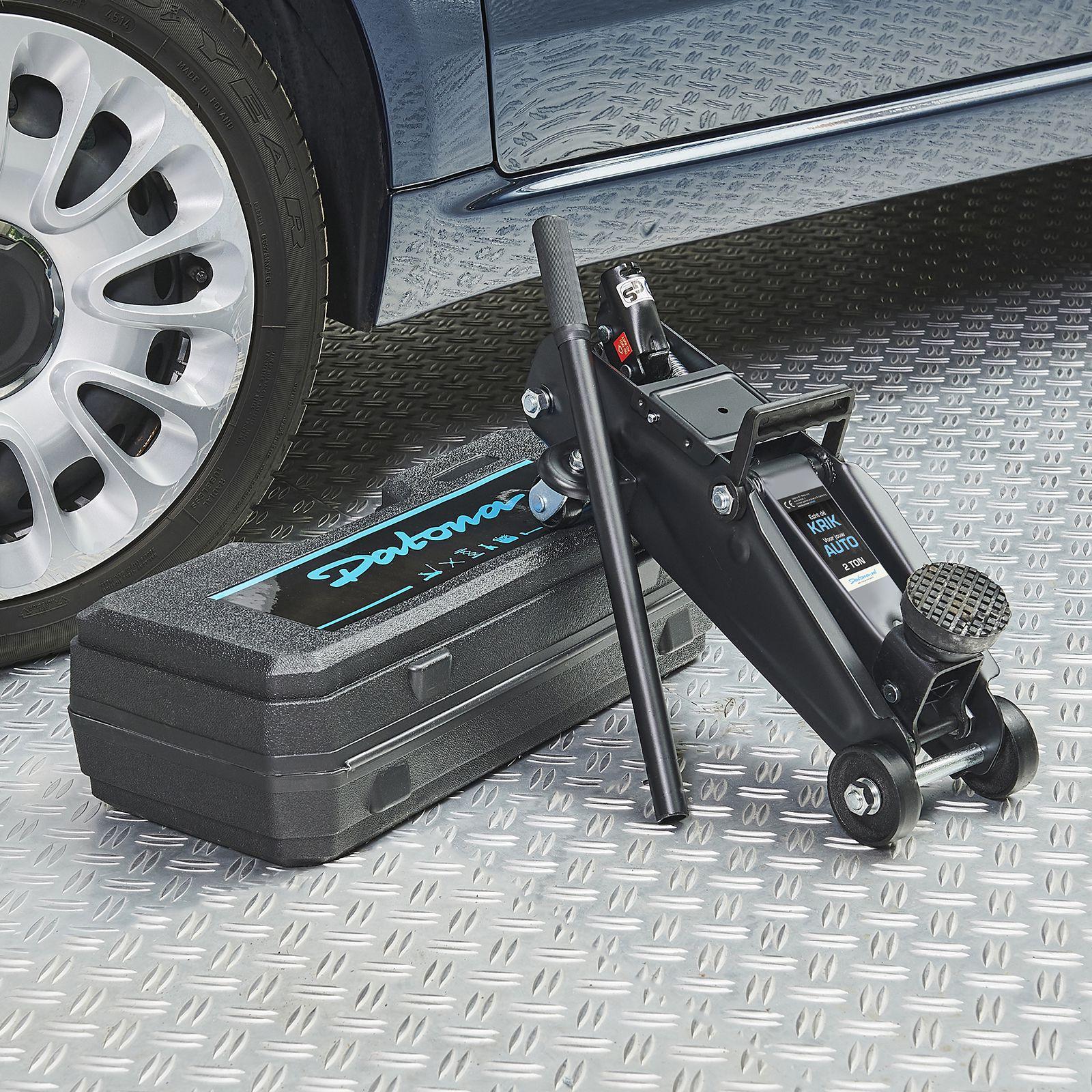 datona-krik-2-ton-met-koffer-bij-auto-53202-DSC7816