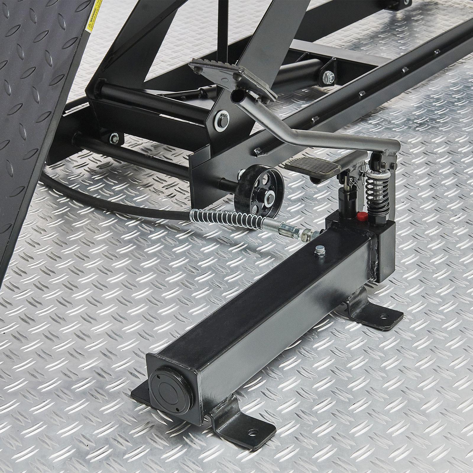 Zwarte motorheftafel 450 kg pomp