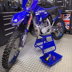 MX-stand voor Yamaha motoren 1