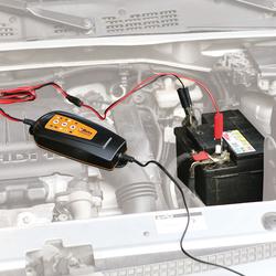 Beta batterijlader voor motorfietsen en personenauto's 1