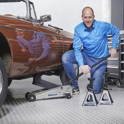 Autokrik 3 ton met steunen van 3 ton