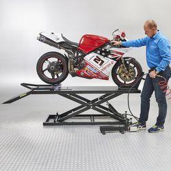 Ducati op de motorheftafel hydropneumatisch