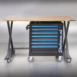 Wagen onder tafel