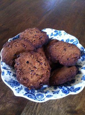 Amandelmeel koekjes met pecan noten
