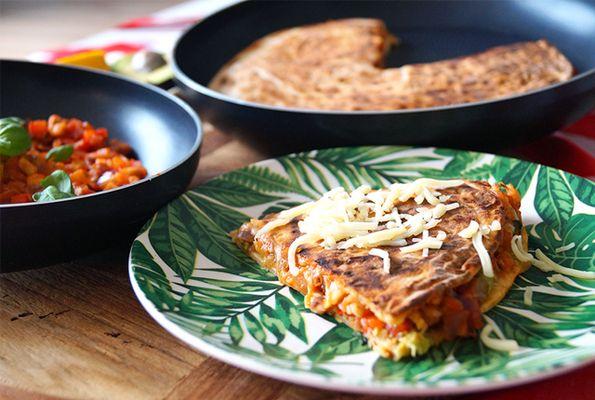 Quesadilla met aubergine, paprika en kaas