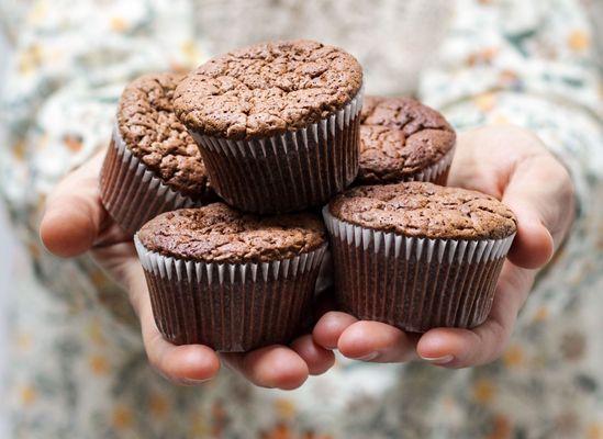 Muffins met chocolade en banaan