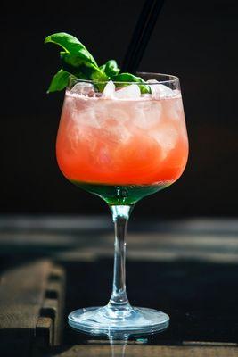 Mocktail grapefruit tonic