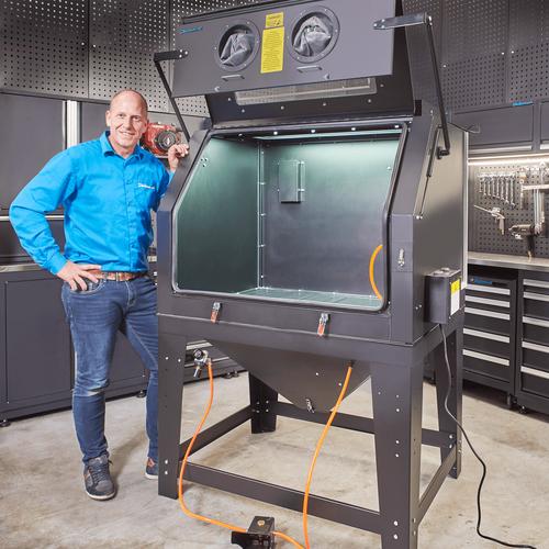Verflagen verwijderen zandstralen met afzuiging 420 liter