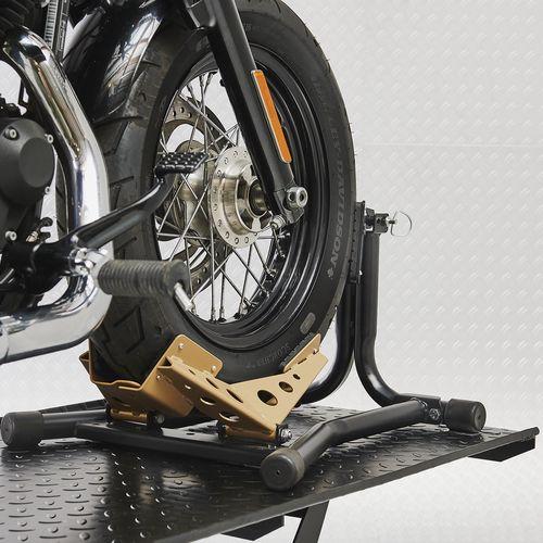 Voorwiel Harley in luxe inrijklem