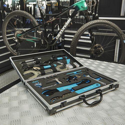 Fietsgereedschap set in koffer 21-delig in werkplaats