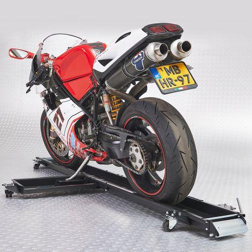 Ducati motor op de motormover van Datona