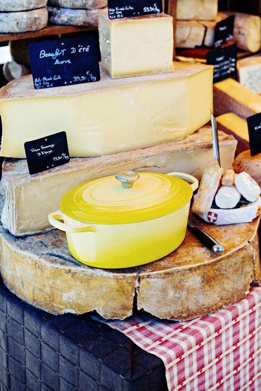 Le Creuset braadpan ovaal Signature geel Ø 31 cm sfeer
