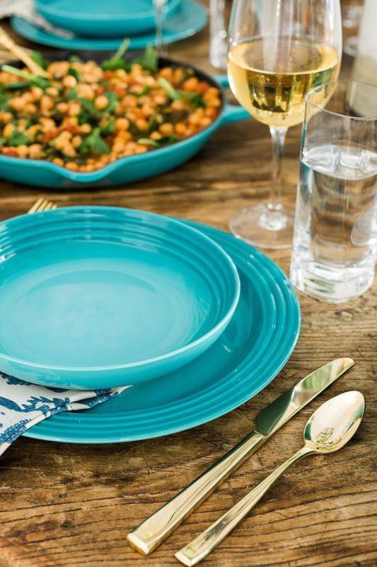 Le Creuset ontbijtbord caraïbisch blauw Ø 22 cm sfeer