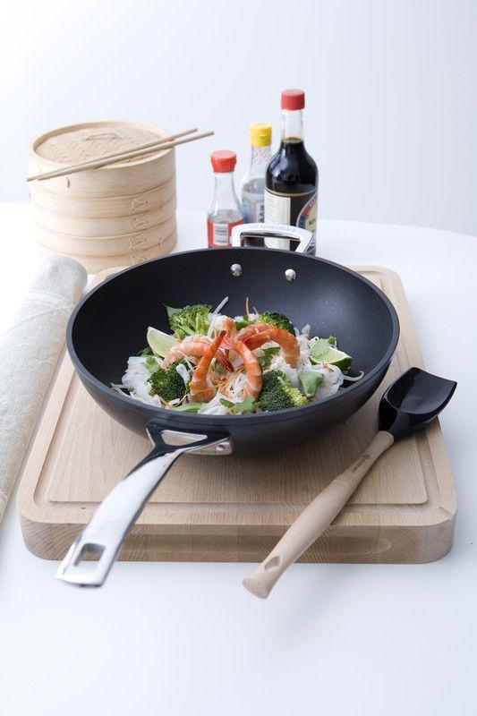 Le Creuset wokpan Les Forgées Ø 30 cm sfeer