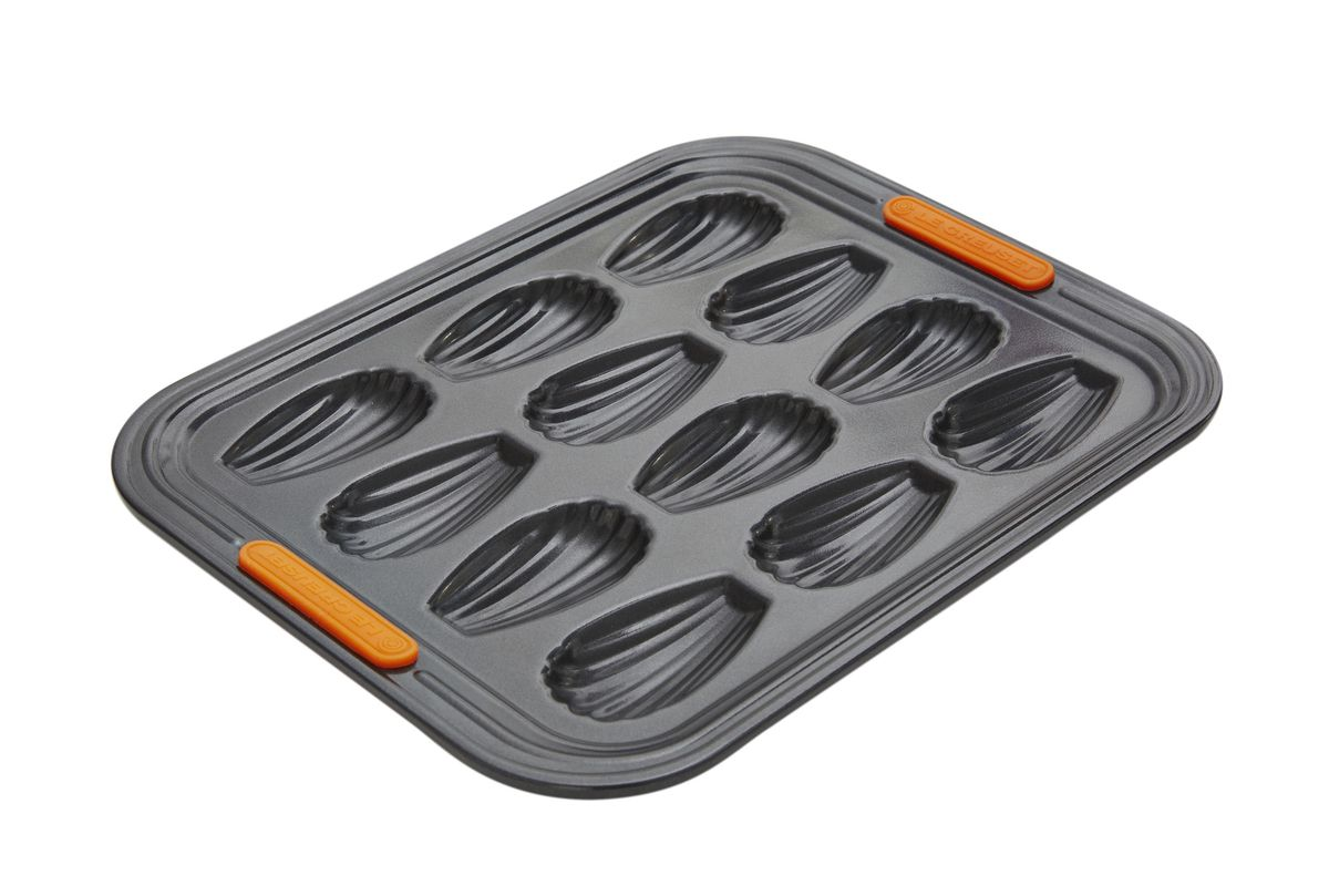 Le Creuset madeleines