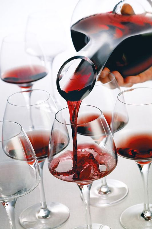 chef_sommelier_karaf_wijn.jpg