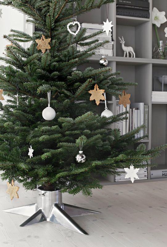 Born in Sweden kerstboomstandaard - wit