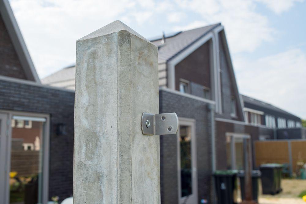 RVS beslag voor betonpalen
